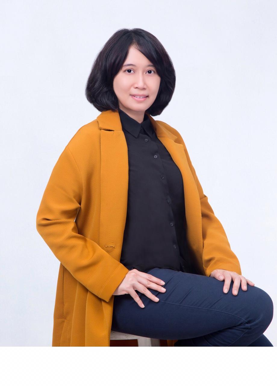 Dewi Yustisiana, SH, M.Kn